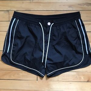 MBMJ SWIM TRUNK SIZE L BLACK by MARC JACOBS